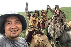 モンゴル騎馬軍団の甲冑を着て乗馬&プロカメラマンによる撮影ツアー5泊6日