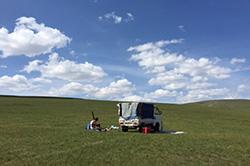 草原・山・森・川!モンゴルの様々な自然を乗馬で巡る8日〜10日間(テント泊)